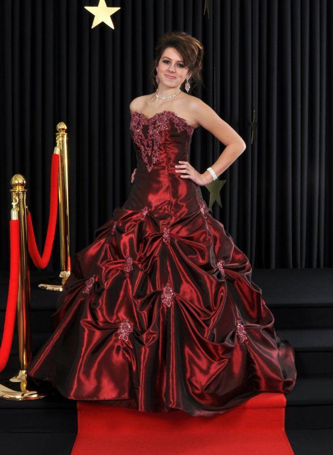 ... míru na maturitní ples 417. plesové šaty » p na objednání »  princeznovské 89a463d7fa